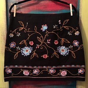 EUC LOFT size: 12 embroidered mini skirt boho